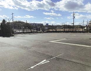 駐車場(60台)