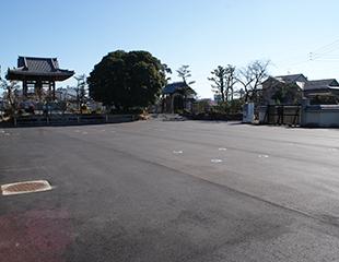 駐車場(80台)